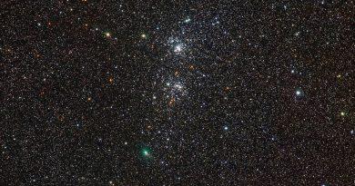 Imagen del Cometa C/2017 T2 (PANSTARRS) y el Cúmulo Doble de Perseo